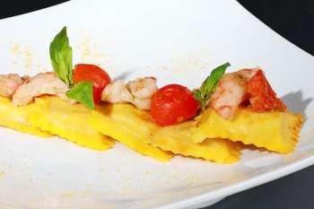 Ravioli di bufala con sugo di Scampi e basilico - Ittica Brianza i pronti in tavola