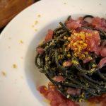 Spaghetti al nero di seppia con bottarga e tartare di tonno
