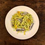 Spaghetti di Gragnano con alici fresche e crema di zucchine trombetta